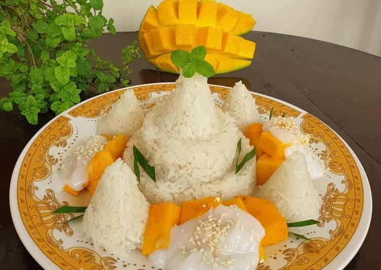 Mango Sticky Rice (Tumpeng Mini)