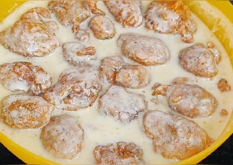 Steps to Prepare Super Quick Homemade Dahi (curd)phulki /dahi bhalla recipe