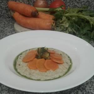 ¡Risotto de arroz yamaní a la crema y queso! ¡acompañado de verduras salteadas con curry!