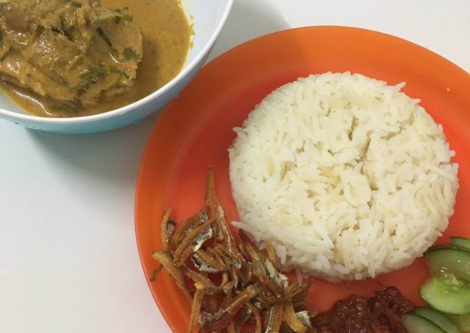 Nasi Lemak Rendang Ayam