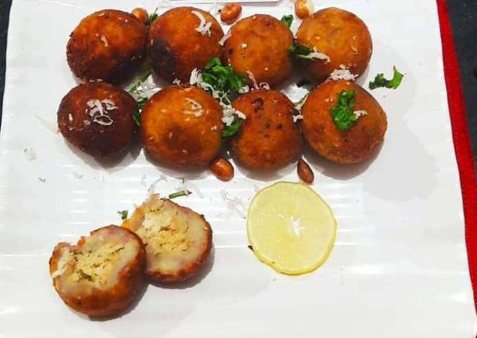 Sweet potatoes and peanuts poppers
