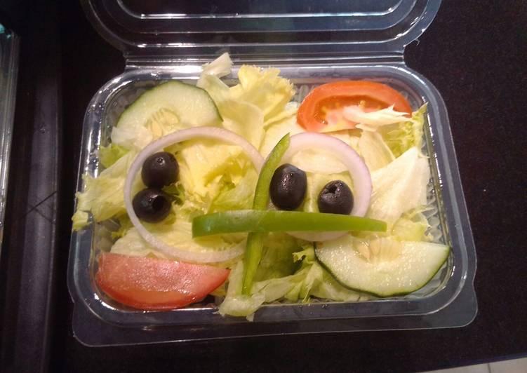 Traditional Garden Salad