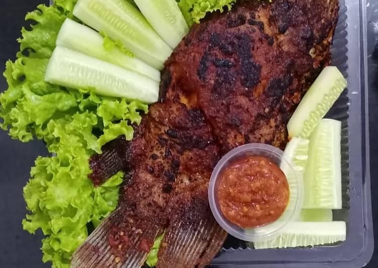 Resep Ikan Gurami Bakar (bumbu merah), Bisa Manjain Lidah