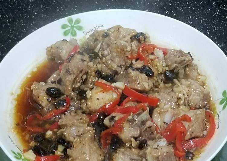 Dim Sum - Chinese Steamed Ribs with Garlic Black Beans 豆豉蒜蓉蒸排骨