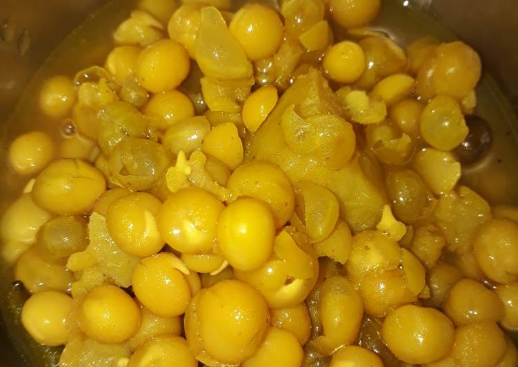 Recipe of Super Quick Homemade নিরামিষ ঘ�গনি (niramish ghugni recipe in Bengali)