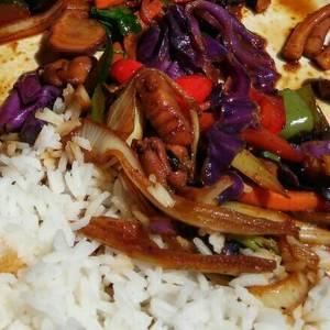 Cazuela sencilla y sabrosa de mariscos con arroz