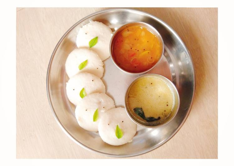 Steps to Prepare Any-night-of-the-week Idli with sambhar and chutney