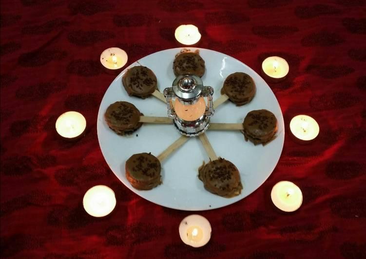 Mawa Sandwiched Oreos