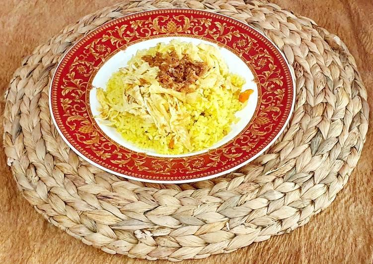Nasi kuning kencur