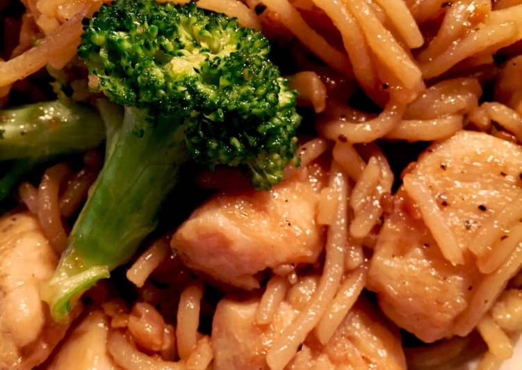 Recipe: Perfect Teriyaki Chicken with Broccoli and Noodles