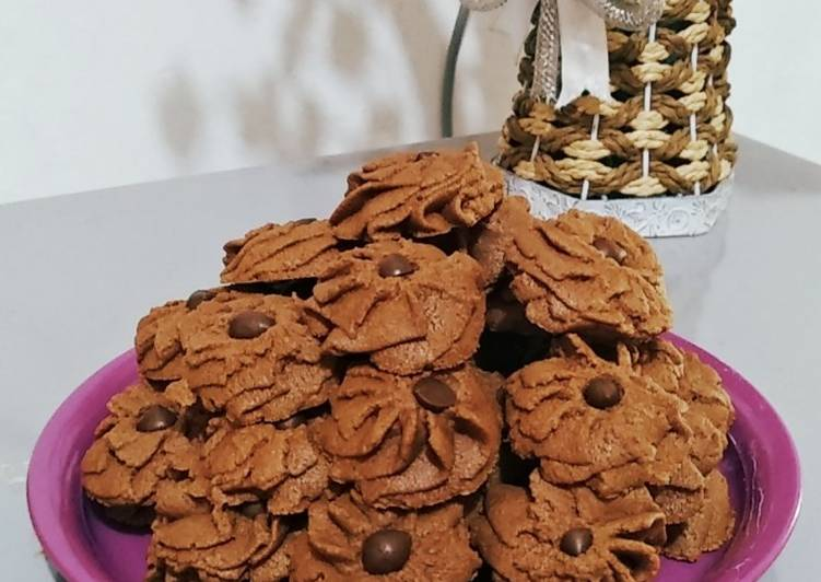 Kue Semprit Cokelat Ekonomis