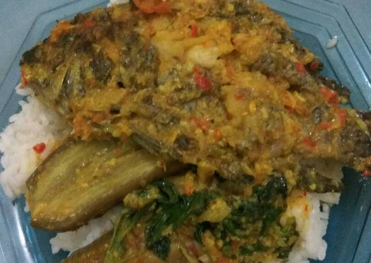 Pesmol ikan nila asam terong kemangi