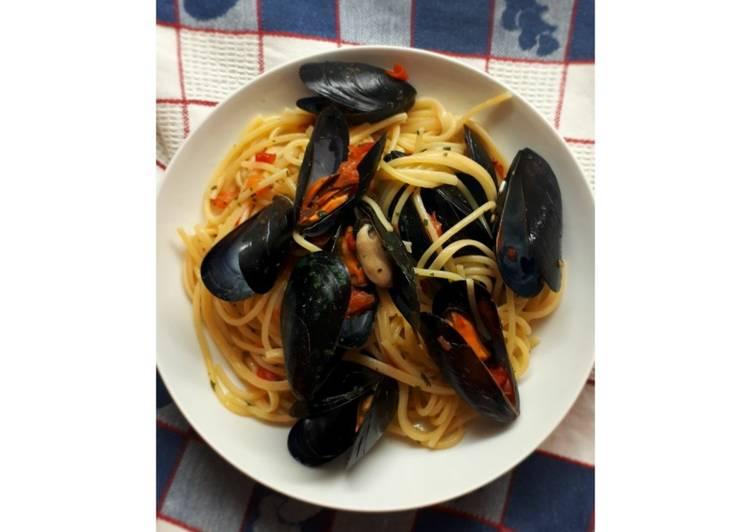 Ricetta Spaghetti cozze e pomodorini 🍝