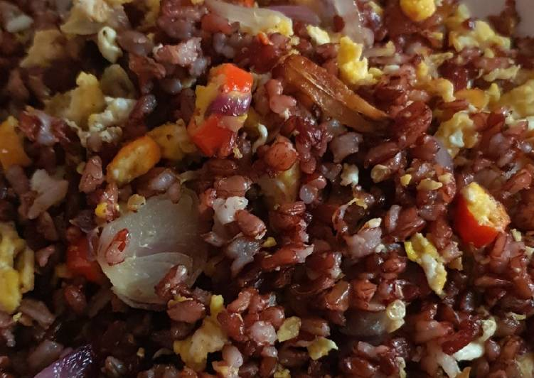 nasi-merah-goreng