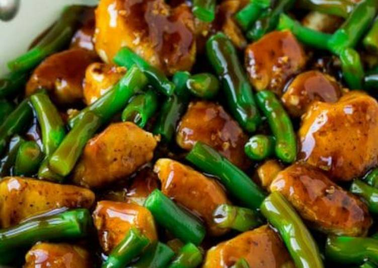 Recipe: Perfect Stirfried chicken with greenbeans