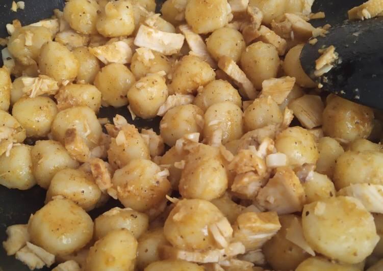 Gnocchis con pechuga adobada