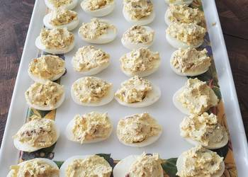 How to Make Delicious Brads bacon and smoked cheddar deviled eggs