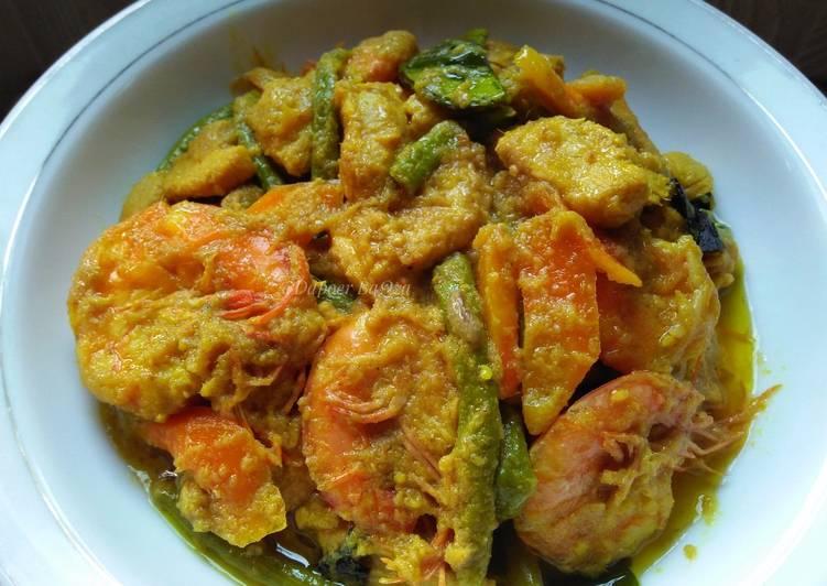Phat Phet Ayam & Udang