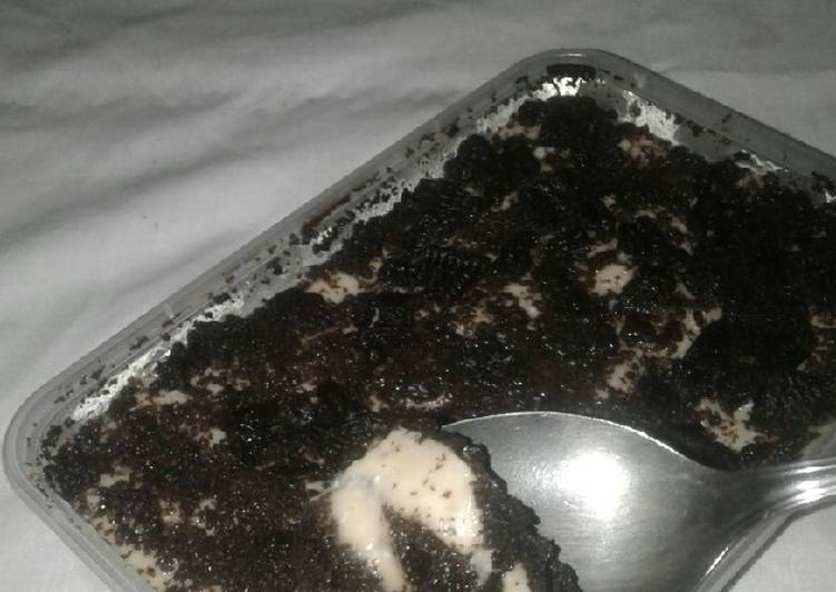 Oreo cheesecake dengan peanut butter dan chocolate flavour