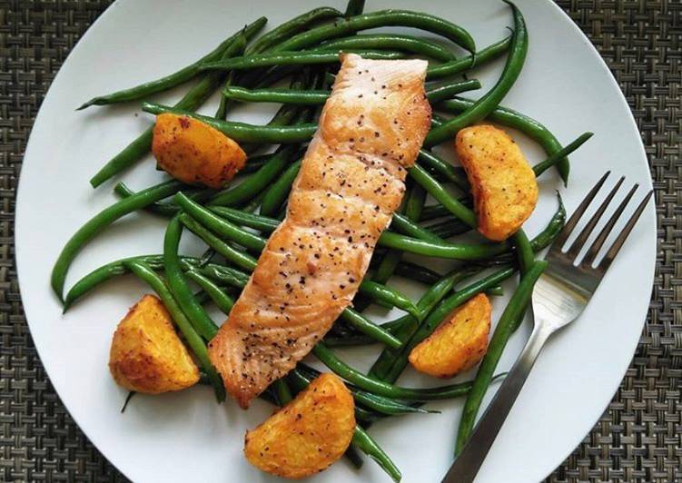 Recipe: Yummy Pan-Seared Salmon With French Beans & Roasted Potatoes