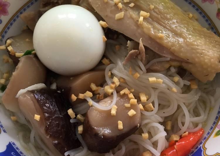Sop Ayam Jamur (dgn Bihun)