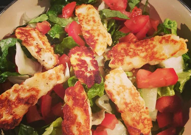 Easiest Way to Make Ultimate Grilled Halloumi Spinach Salad