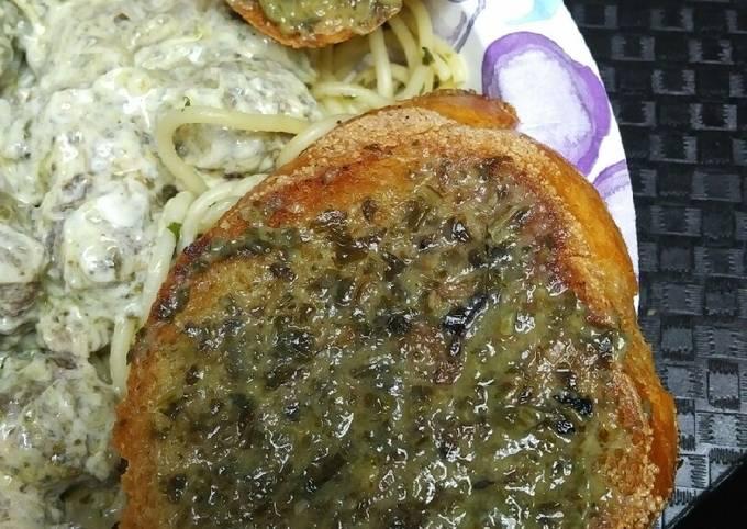 Recipe: Perfect Fried Bacon Pesto Bread