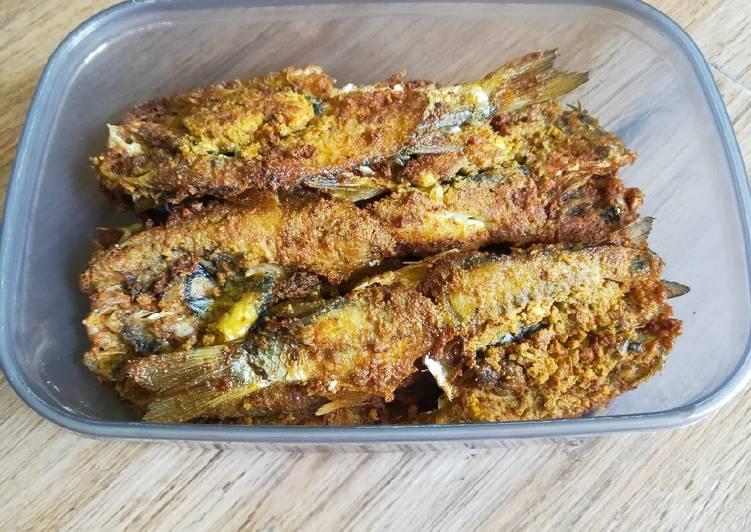 Ikan belanak goreng bumbu pedas manis & gurih