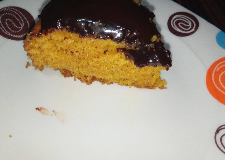 Carrot cake with chocolate ganache