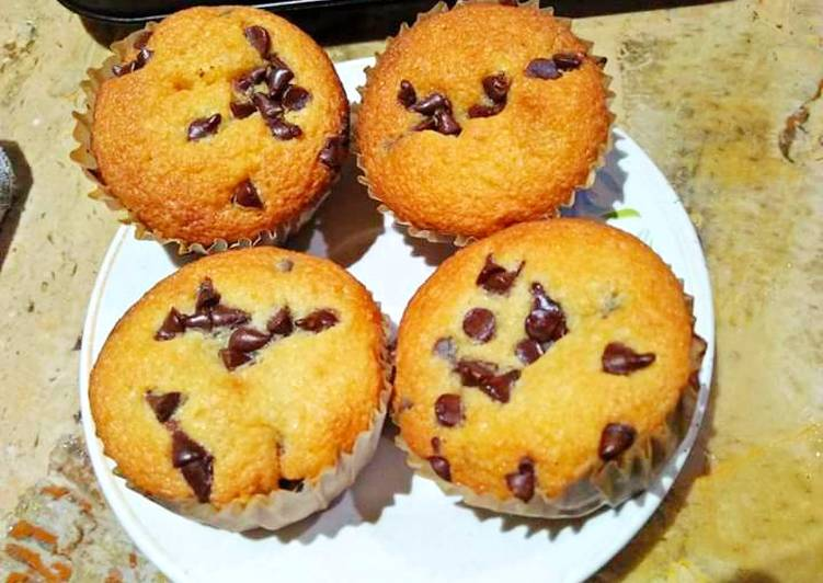 Chocolate chip cup cakes