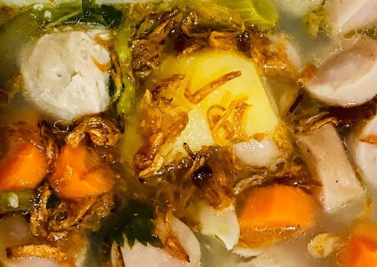 Sayur sop bakso sosis