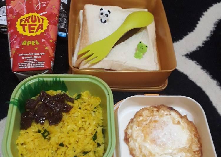 Resep 36. Nasi goreng kuning (ide bekal anak) Paling Enak