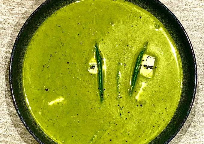 Sparrow grass soup with Dolcelatte