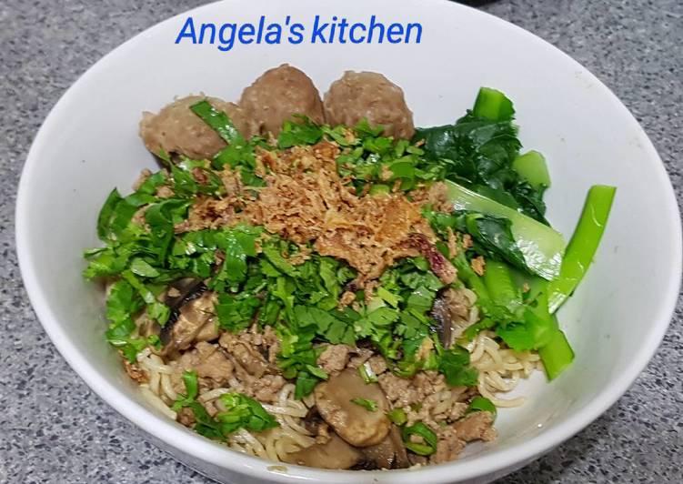 Easiest Way to Prepare Appetizing Chicken Mushroom Noodles