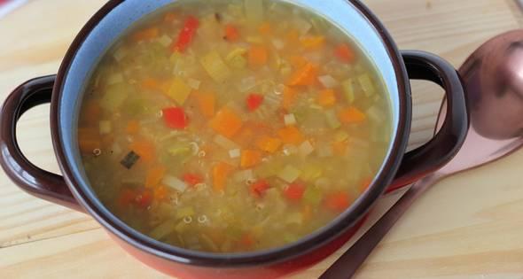 Sopa De Verduras Y Quinoa