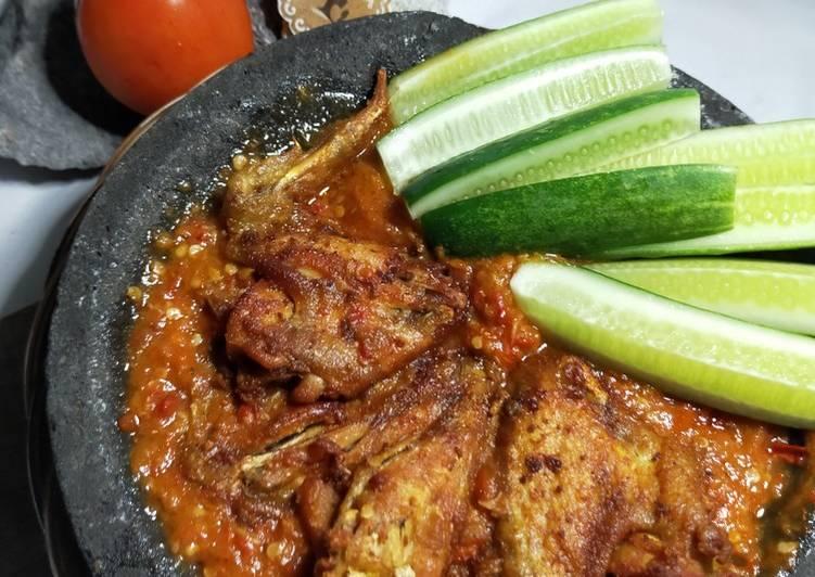 Ayam Penyet Sambal Tomat