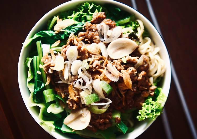 Cara Gampang Menyiapkan Cwie Mie Ayam, Lezat Sekali