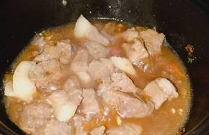 Thịt kho không (có cách làm nước hàng)