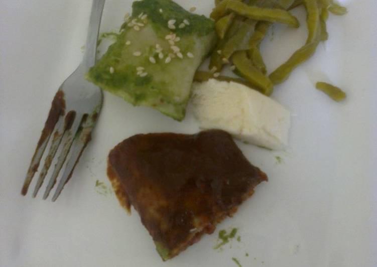 Enchiladas casadas martin (Dos sabores: pasilla y chaya con poblano)