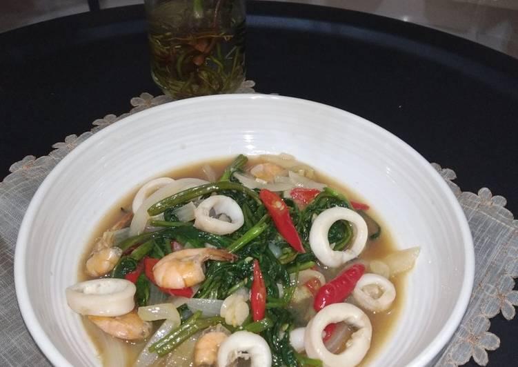 199. Cah Kangkung Seafood Saos Tiram