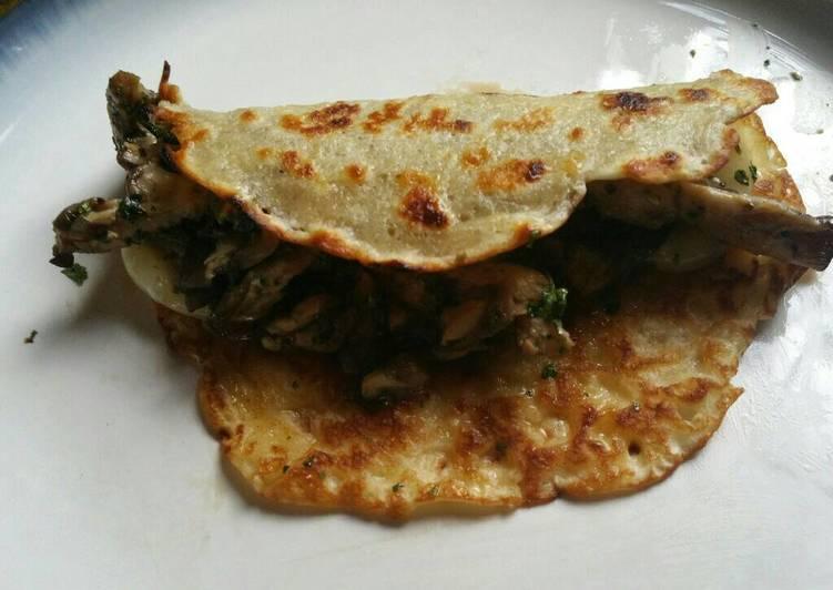 Recipe: Tasty Savory Mushroom Crepes