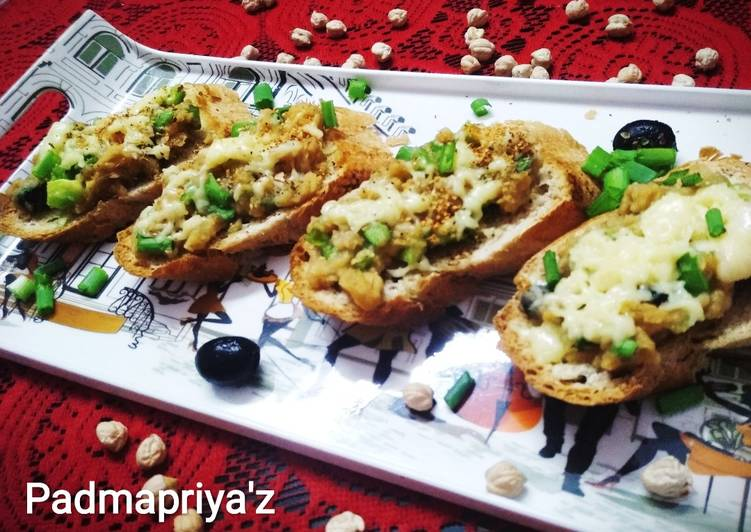 Chickpeas and Cheese Bruschetta