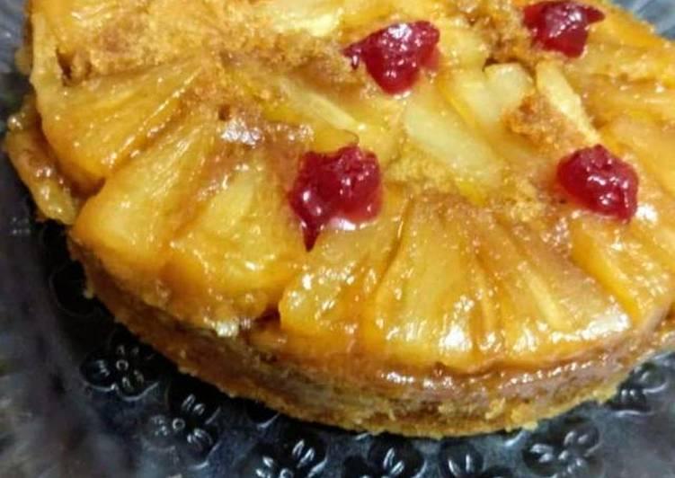 Pineapple upside down cake in microwave