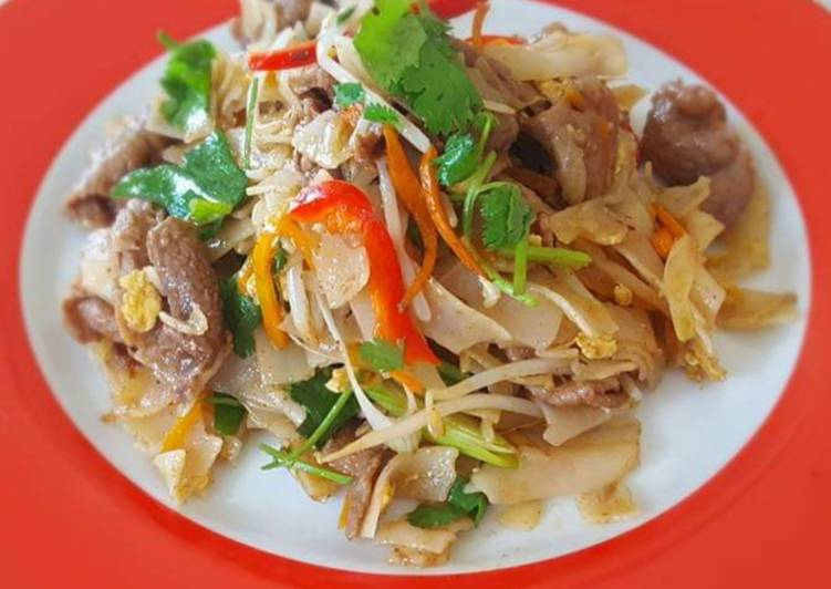 Steps to Make Quick Beef Pad Thai