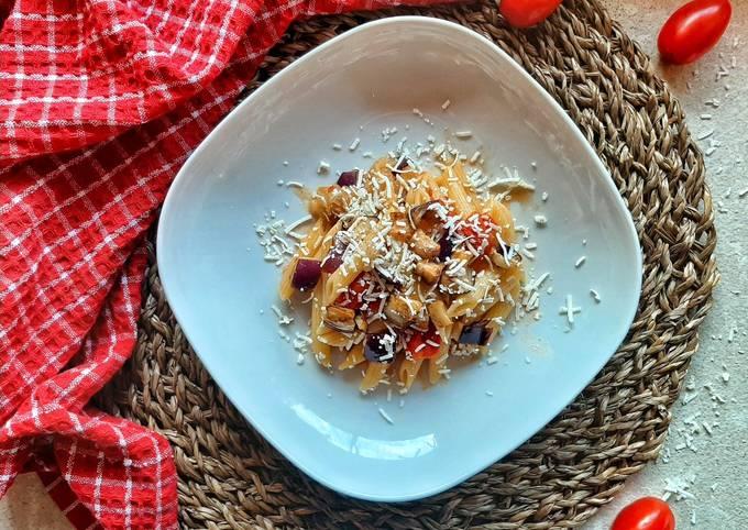 Sapori di Sicilia (Pennette melanzane,pomodori e ricotta salata)