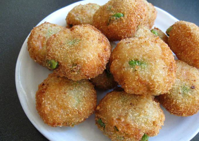 Fried Fishcakes with Prawn & Edamame