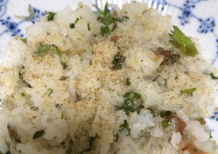 Pickled plum rice with ooba and sesami