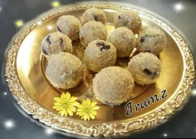 🍚Sooji Ladoo🍚  (rava or semolina ladoo or balls)