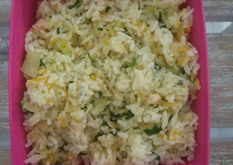 Nasi goreng sayuran untuk anak 12m+