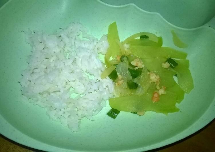 Day. 213 Tumis Labu Siam, Kacang Panjang dan Udang (12 month+)